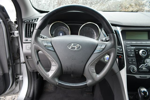 2011 Hyundai Sonata Ltd PZEV Naugatuck, Connecticut 17