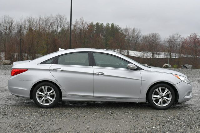 2011 Hyundai Sonata Ltd PZEV Naugatuck, Connecticut 7