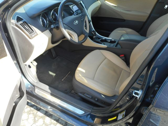 2011 Hyundai Sonata Ltd PZEV New Windsor, New York 14