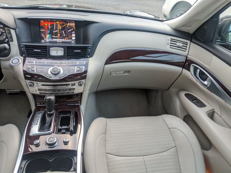 2011 Infiniti M56 ((**TECHNOLOGY//SPORT//SPORT TOURING**))  in Campbell, CA
