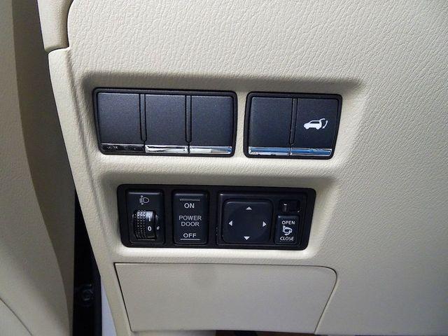 2011 Infiniti QX56 8-passenger Madison, NC 16