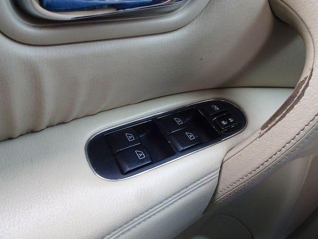 2011 Infiniti QX56 8-passenger Madison, NC 27