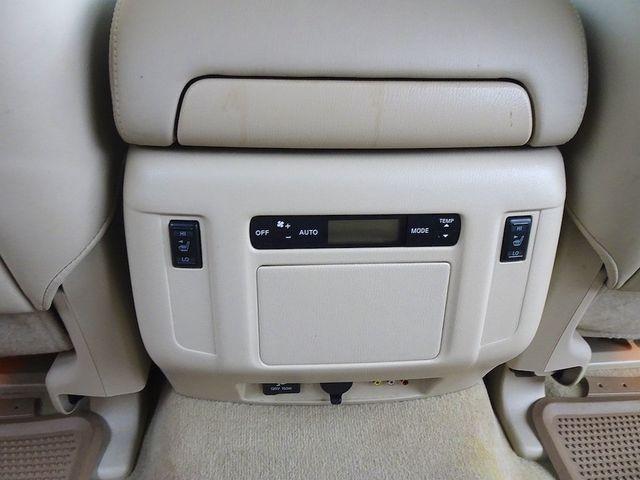 2011 Infiniti QX56 8-passenger Madison, NC 40