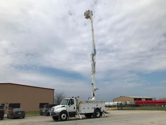 2011 International 4300 DURASTAR BUCKET TRUCK in Fort Worth, TX