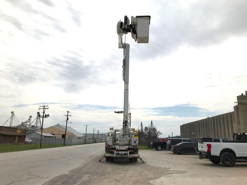 2011 International 4300 DURASTAR BUCKET TRUCK   city TX  North Texas Equipment  in Fort Worth, TX