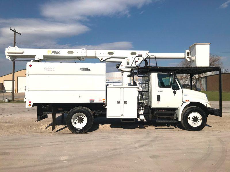 2011 International 4300 DURASTAR FORESTRY BUCKET TRUCK   city TX  North Texas Equipment  in Fort Worth, TX