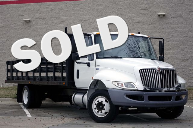 2011 International 4300M7 SBA LP 1-Owner * 20' Stake Bed *DURASTAR 4300* Air Brakes Plano, Texas