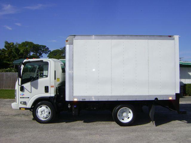 2011 Isuzu NRR 12 FT BOX TILT CAB