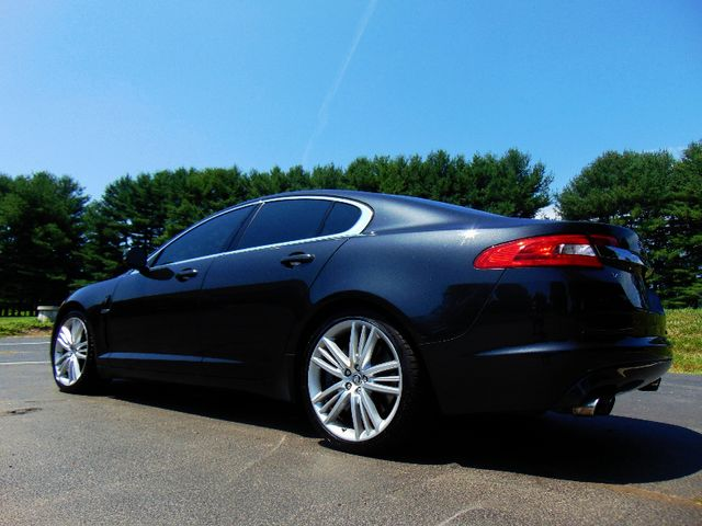2011 Jaguar XF Supercharged Leesburg, Virginia 8