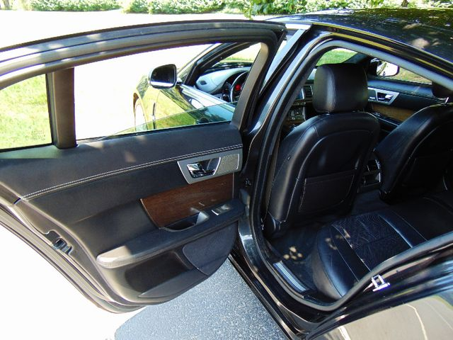 2011 Jaguar XF Supercharged Leesburg, Virginia 34