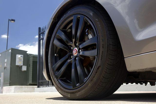 2011 Jaguar XJ XJL * Visibility Pkg * 19's * PANO ROOF * XJ L * Plano, Texas 37
