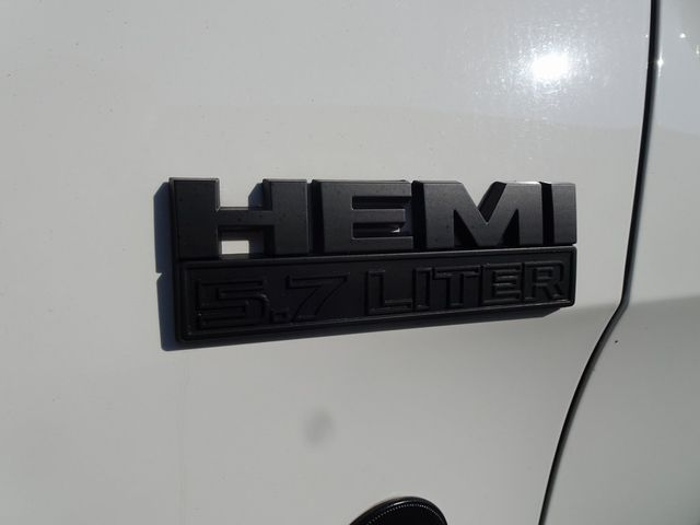 2011 Jeep Grand Cherokee Laredo Madison, NC 11