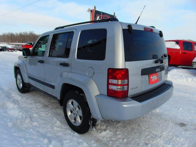 2011 Jeep Liberty Sport Alexandria, Minnesota 3