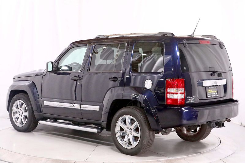 2011 Jeep Liberty Limited - 4WD - Navigation - Tow pkg - Leather  city California  MDK International  in Los Angeles, California