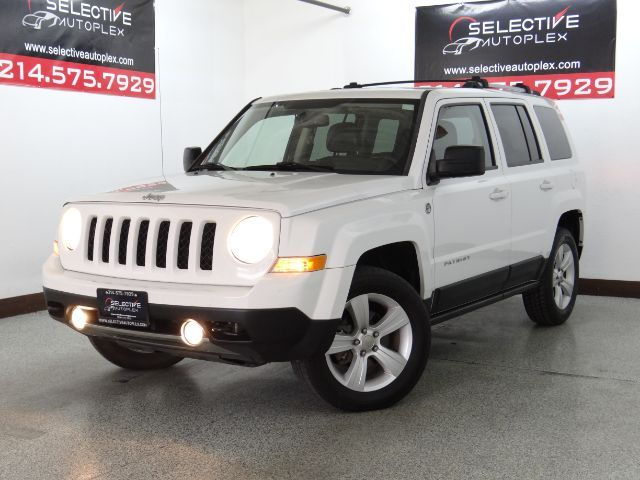 2011 Jeep Patriot Latitude X, LEATHER SEATS, HEATED FRONT SEATS