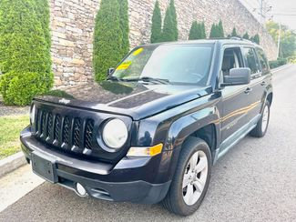 2011 Jeep-27 Mpg!! Auto!! Patriot-CARMARTSOUTH.COM Latitude X in Knoxville, Tennessee 37920