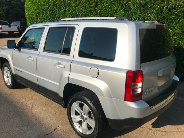 2011 Jeep Patriot Latitude X 4WD w/Leather & Roof in Plano Texas, 75074