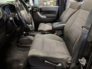 2011 Jeep Wrangler Rubicon Over $6k in Accessories! Bend, Oregon 19