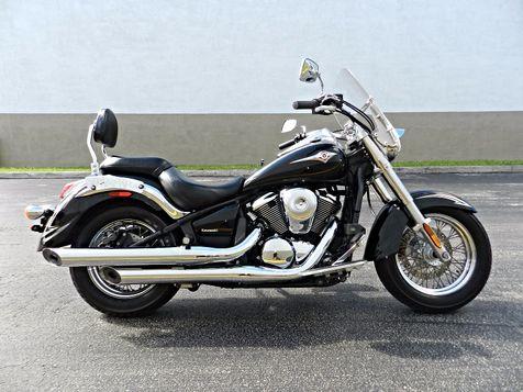 2011 Kawasaki Vulcan® 900 Classic SE in Hollywood, Florida