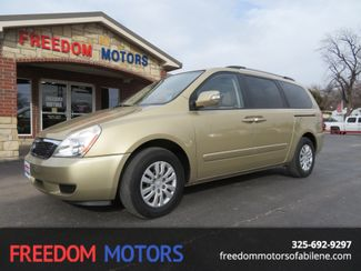 2011 Kia Sedona LX | Abilene, Texas | Freedom Motors  in Abilene,Tx Texas