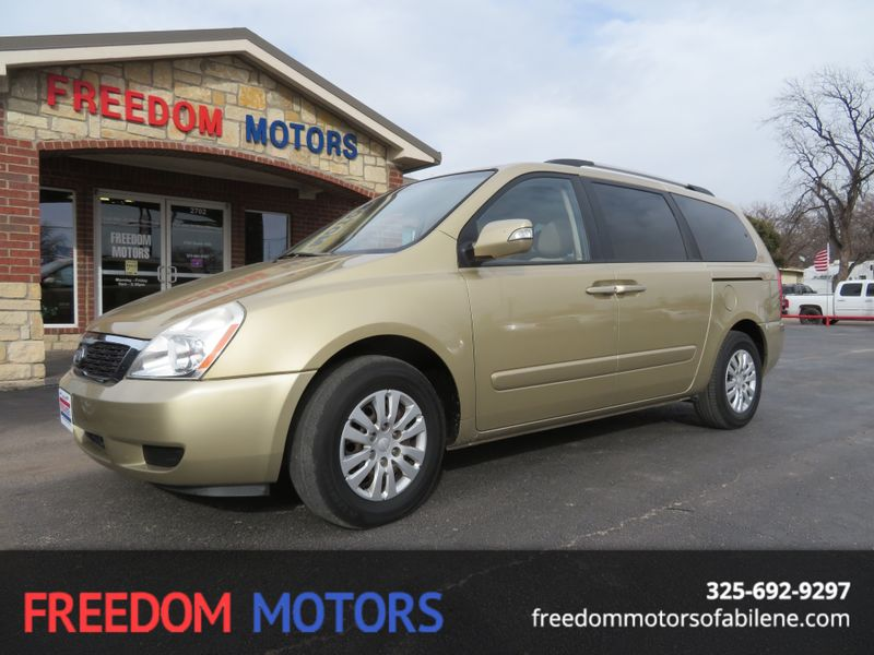 2011 Kia Sedona LX | Abilene, Texas | Freedom Motors  in Abilene Texas