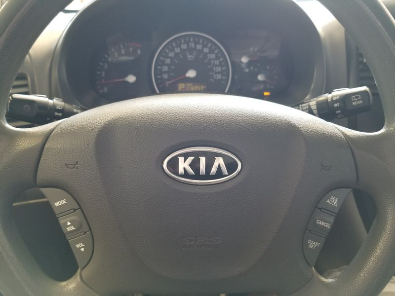 2011 Kia Sedona LX  in , Ohio