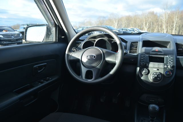 2011 Kia Soul Naugatuck, Connecticut 17