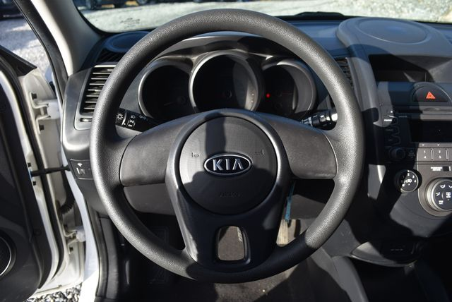 2011 Kia Soul Naugatuck, Connecticut 23