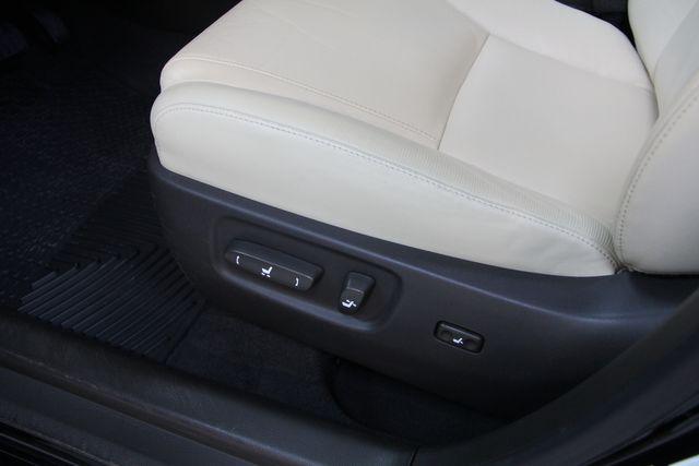 2011 Lexus HS 250h Richmond, Virginia 17