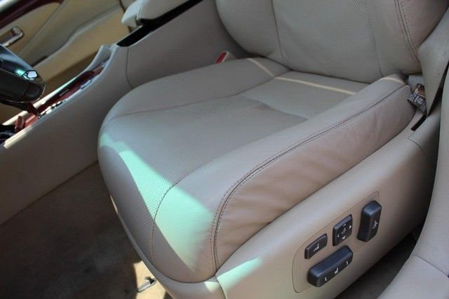 2011 Lexus LS 460 St. Louis, Missouri 23