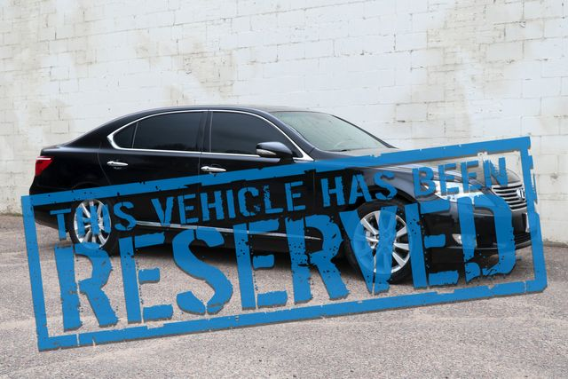 2011 Lexus LS460 L AWD w/Mark Levinson Audio, Navigation, Heated/Cooled Seats & Adaptive Ride