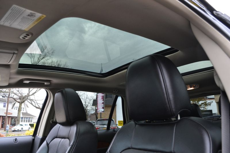 2011 Lincoln MKX   city New  Father  Son Auto Corp   in Lynbrook, New