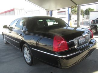 2011 Lincoln Town Car Signature Limited Gardena, California 1