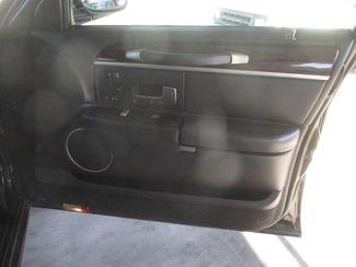 2011 Lincoln Town Car Signature Limited Gardena, California 12