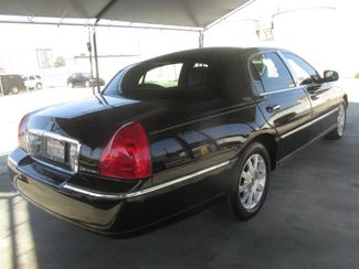 2011 Lincoln Town Car Signature Limited Gardena, California 2