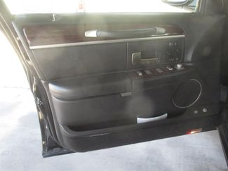 2011 Lincoln Town Car Signature Limited Gardena, California 8