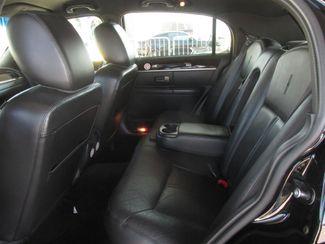 2011 Lincoln Town Car Signature Limited Gardena, California 9