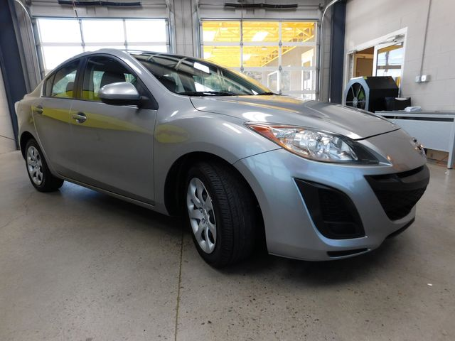 2011 Mazda Mazda3 i Sport in Airport Motor Mile ( Metro Knoxville ), TN 37777