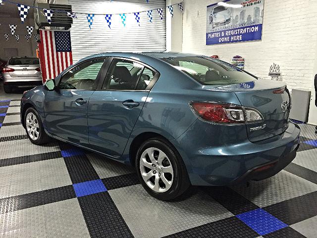 2011 Mazda Mazda3 i Sport Brooklyn, New York 4