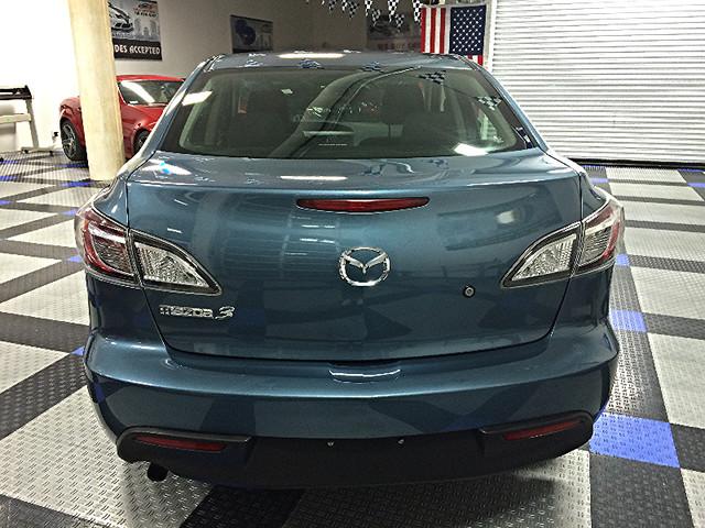2011 Mazda Mazda3 i Sport Brooklyn, New York 6