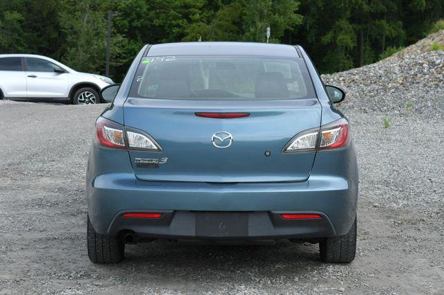 2011 Mazda Mazda3 i Sport Naugatuck, Connecticut 5