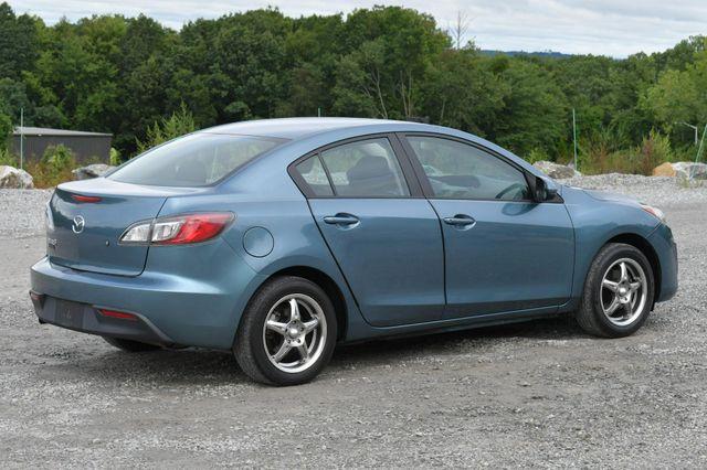 2011 Mazda Mazda3 i Sport Naugatuck, Connecticut 6