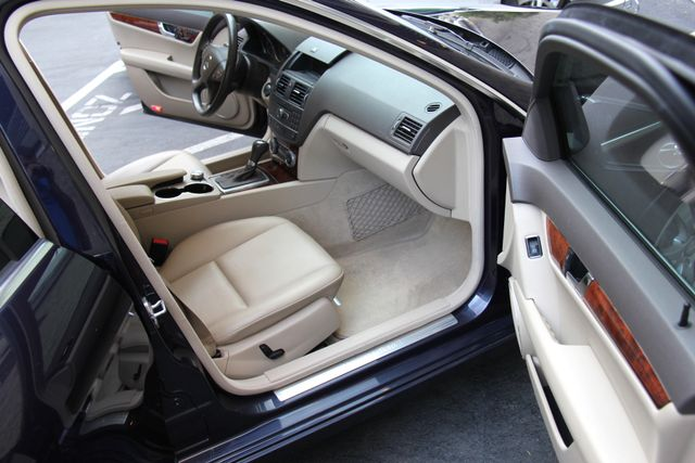 2011 Mercedes-Benz C 300 Luxury Reseda, CA 12