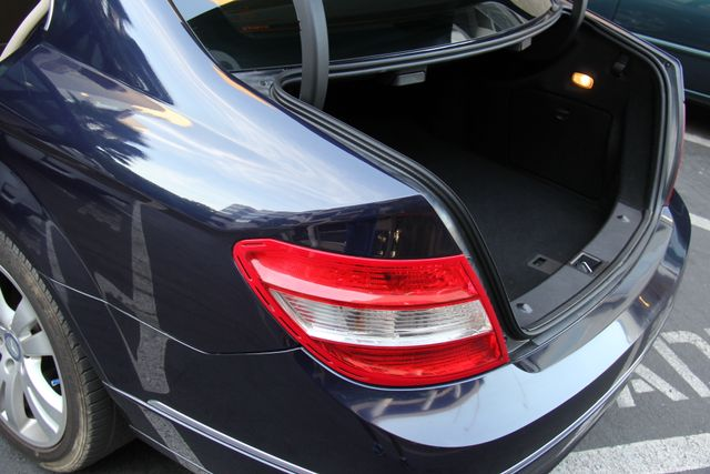 2011 Mercedes-Benz C 300 Luxury Reseda, CA 25