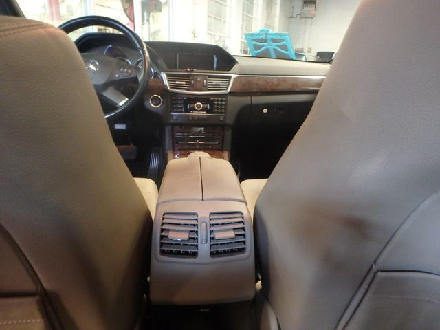 2011 Mercedes E350 4-Matic FANTASTIC COLOR SCHEME, EXCELENT CONDITION, SERVICED. Saint Louis Park, MN 18