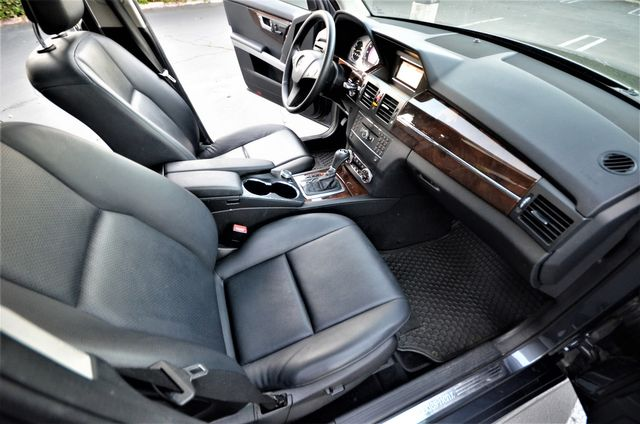 2011 Mercedes-Benz GLK 350 in Reseda, CA, CA 91335
