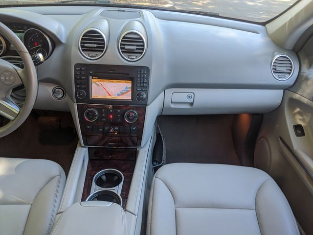 2011 Mercedes-Benz ML 350 (*NAVIGATION & BACK-UP CAM..MOONROOF..LEATHER*) in Campbell, CA 95008