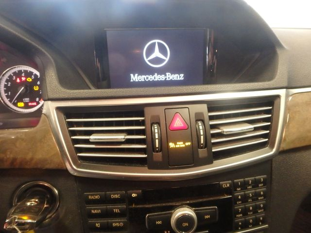 2011 Mercedes E-350 4-Matic, LOADED, SERVICED, FULLY READY!~ Saint Louis Park, MN 4