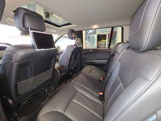 2011 Mercedes Gl450 4-Matic DVD, B/U CAMERA,  3RD ROW. SWEET SPOT! Saint Louis Park, MN 22