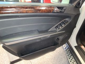 2011 Mercedes Gl450 4-Matic DVD, B/U CAMERA,  3RD ROW. SWEET SPOT! Saint Louis Park, MN 6